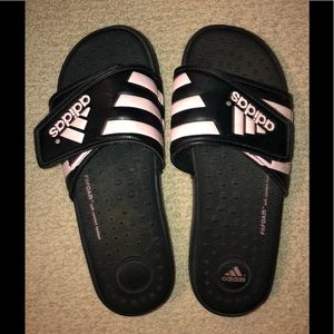 Women's pink striped fit foam slip ons